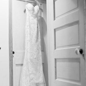 Casablanca wedding dress size 4 style 1975